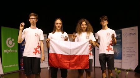 Srebrny medal Adama Górkiewicza w Środkowoeuropejskiej Olimpiadzie Informatycz